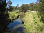 キャンパス内には川も流れています!