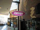 郊外にあってもキャンパス内にお店が沢山あり非常に便利に生活できます。