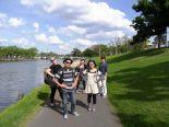 アクティビティで、ヤラ川散策。クラス以外の友達も作れます。