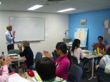 教わる立場に立って学ぶ英語教授法のクラス